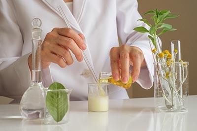 Компоненты ночного крема для рук: секреты невероятной мягкости кожи