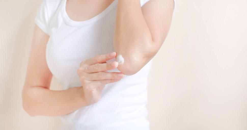 Как бороться с сухой кожей на локтях