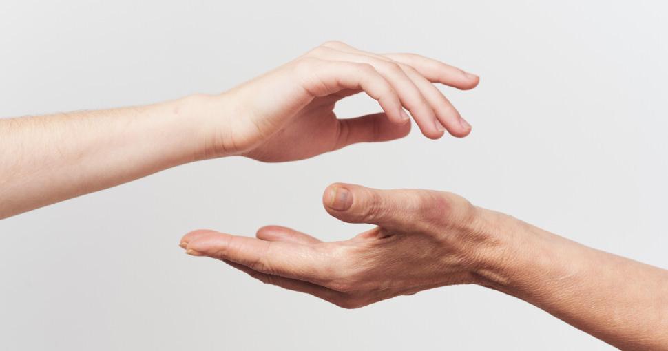 Уход за кожей рук после 40 лет