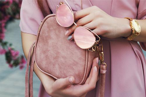 Что должно быть в сумочке каждой женщины